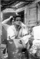 1959 : en vacances avec Martine aux Baux-de-Provence chez leur ami sculpteur René Coutelle.