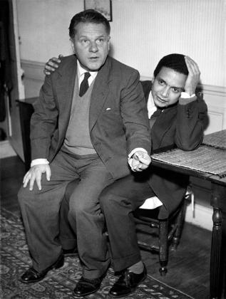 1962 : avec son ami Lawrence Durrell, lors d'une soirée Two Cities.