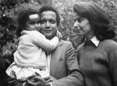1970 : Jean et Martine avec leur troisième fille Véronique née à l'Ile Maurice en 1967.
