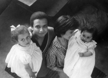 1962 : rue Ordener (Paris 18e), Jean et Martine avec leurs filles Frédérique et Sylvie (nées en 1959 et 1961).