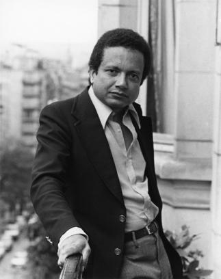 """1971 : prise de vue à l'appartement du 11 Chaussée de la Muette à Paris pour la sortie de """"Psychodrame et théâtre moderne""""."""