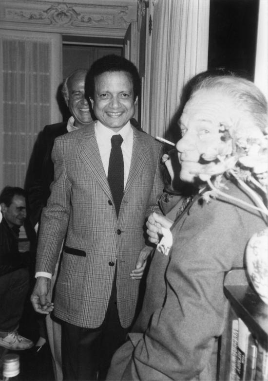 1981 : fête à la Muette avec Lawrence Durrell à l'occasion de la lecture organisée pour ce dernier au Centre Pompidou.