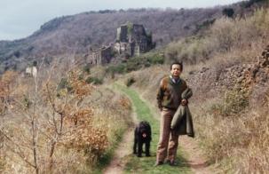 Fin des années 80 : dans les collines d'Octon en compagnie du chien Othello.