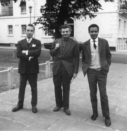 1961 : à Londres avec les poètes Yves Bonnefoy (au centre) et Alberto Lacerda.